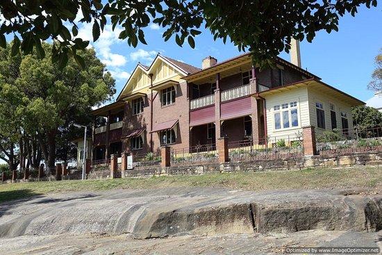 Cockatoo Island: managers house