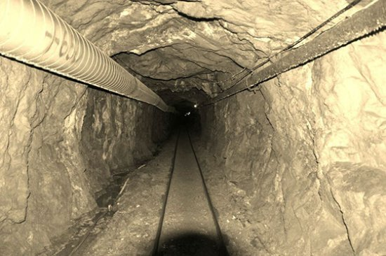 Georgetown, CO: Capital Rize main tunnel goes back to a reports 3,200 feet.