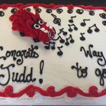 Pine Bluff, AR: razorback cake