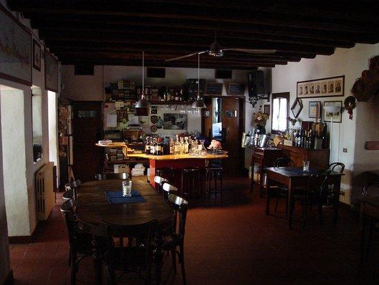 San Trovaso, Italy: Ombre Rosse 3 - Bancone
