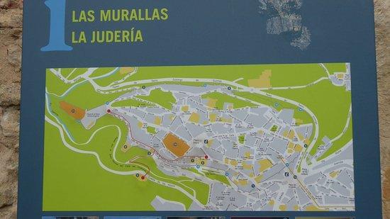 'TripAdvisor' from the web at 'https://media-cdn.tripadvisor.com/media/photo-s/11/4a/cd/eb/la-muralla-de-segovia.jpg'