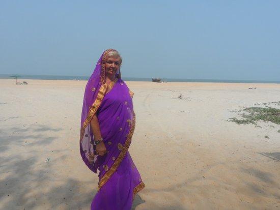 """Betalbatim Beach: А это русская """"индианка"""". Смотрю и думаю о новой встрече с Гоа"""