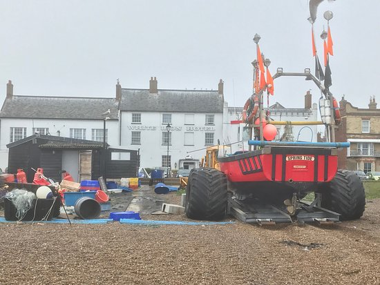 Aldeburgh, UK: View back to hotel & showing fish sheds - (10 sole £20 !)
