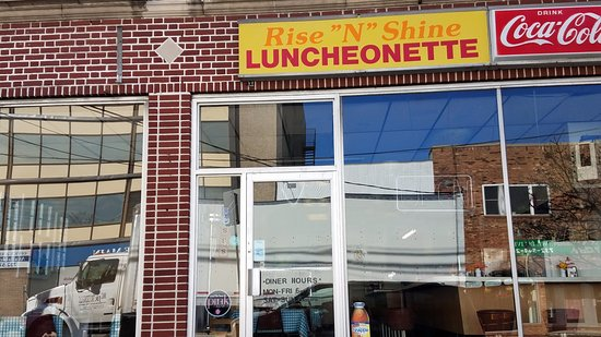 Eatontown, NJ: Storefront on St 35 side but parking in back with entrance