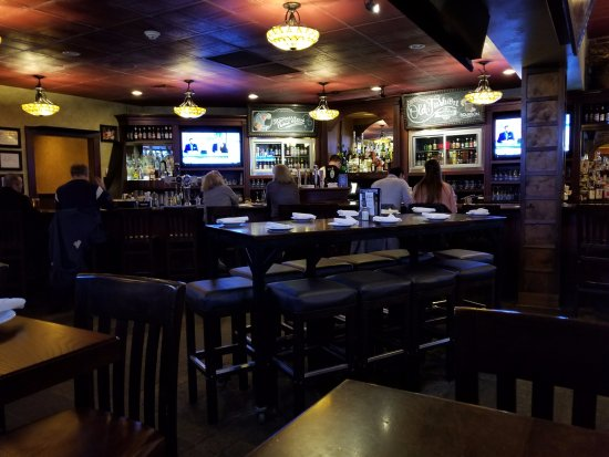 Vernon, Коннектикут: The bar