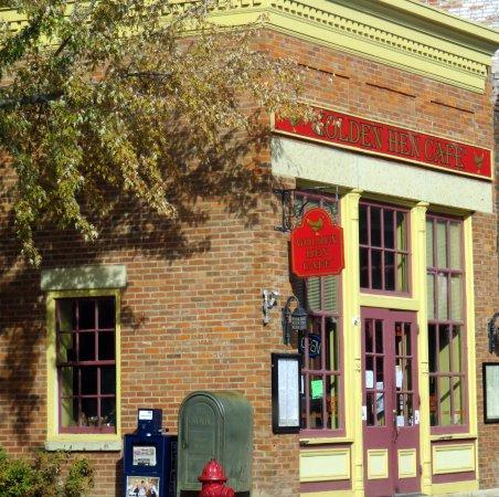The Golden Hen Cafe: entrance to Golden Hen Cafe