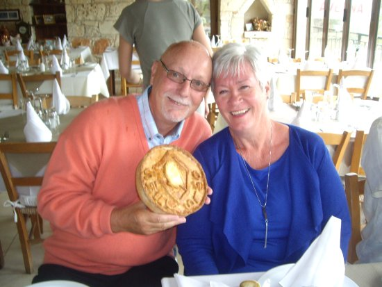 Kathikas, Κύπρος: Party we had at petradaki wonderful time fantastic food and wine.