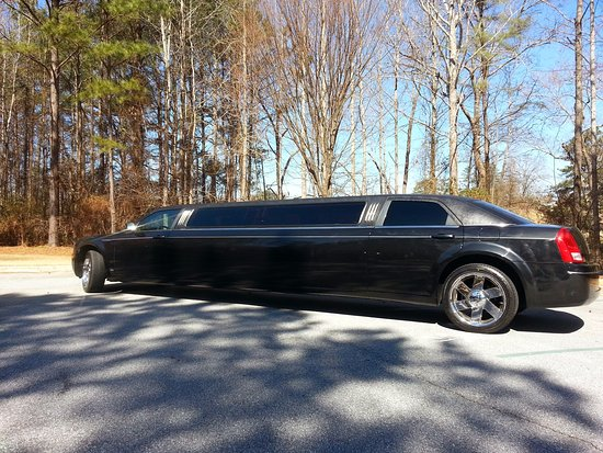 Party Bus For Atlanta - Up to 10 Passengers Limousine