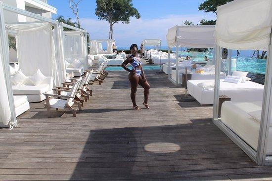 Hotel Encanto: Pool area