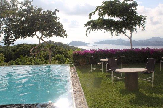 Hotel Encanto: Pool view