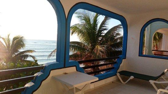 Del Sol Beachfront Hotel Photo