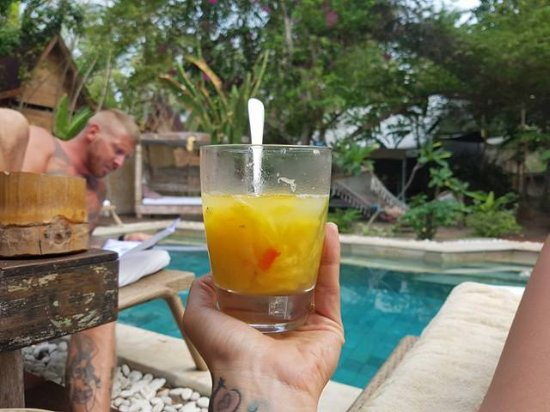 La Cocoteraie Ecolodge: Amazing drink! Chilli pineapple lime tequila honey and juice!