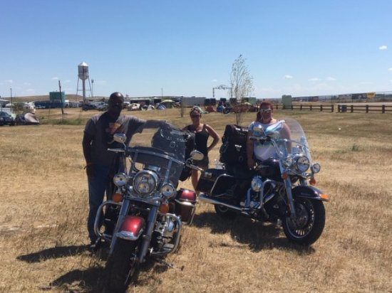 Sturgis, Dakota do Sul: Our bikes packed up to leave 2016