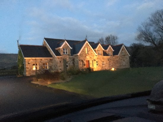Drumcliff, Irlandia: We booked through Groupon, and was not disappointed. Beautiful property, nice quite location. Cl