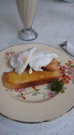 Sorell, Australia: Poached eggs.