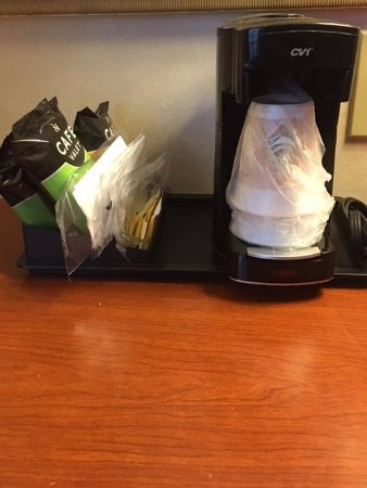 Red Lion Inn & Suites Long Island City: IN ROOM COFFEE MAKER