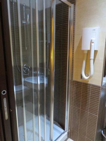 Villa Adriana, Ιταλία: Very good shower!