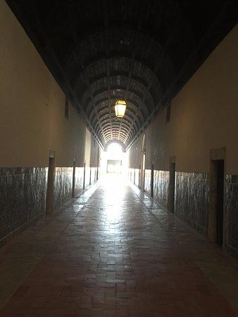 Томар, Португалия: Convento da Ordem de Cristo - Corredor do dormitório