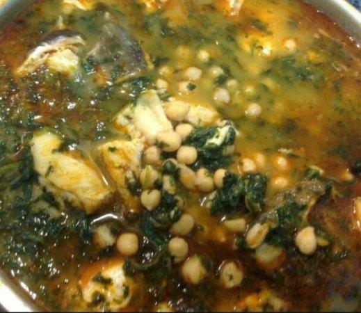 Plato de cuchara garbanzos con bacalao y espinacas - Garbanzos espinacas bacalao ...