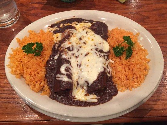 Laredo, TX: Enchiladas Mole