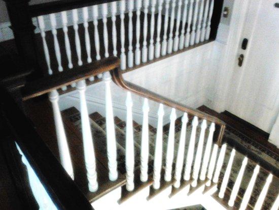 Covington, GA: Second flight of steps