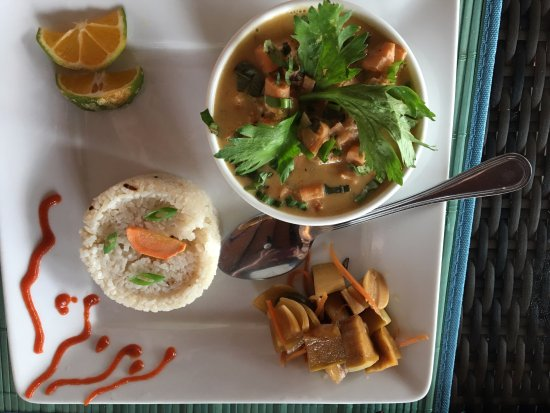 Portobelo, Panamá: Pad Thia...so yummy! I ate the leftovers for lunch the next day!