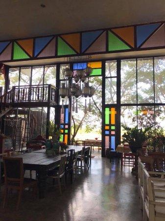 San Kamphaeng, Thailand: larger dining room