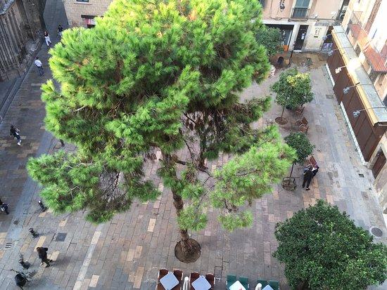 el Jardi: Square down below has music, art, markets and great coffee