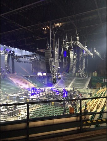 Fairfax, VA: Set up for concert