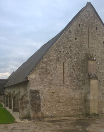 Tisbury, UK: The tithe barn outside Messums