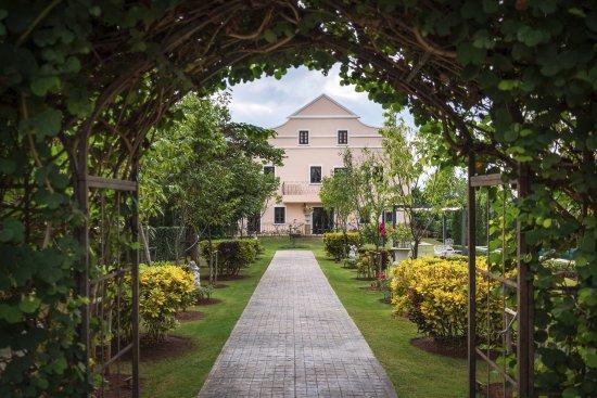 Khao Yai National Park, Thailand: Entrance to the beautiful boutique hotel