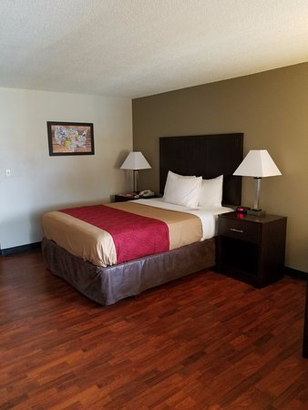 Yakima, WA: ONE QUEEN BEDROOM NON-SMOKING