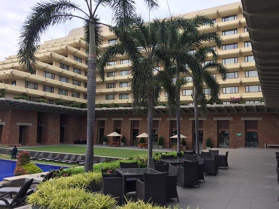 Cinnamon Lakeside Colombo: Hotel