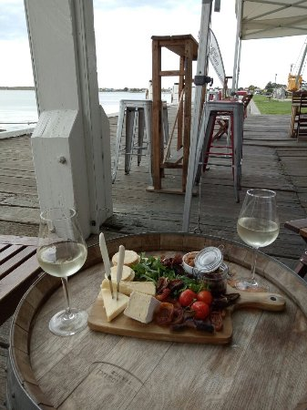 Goolwa, Australia: A special scenic spot to relax with Wine and snacks