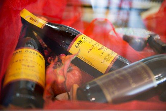 Nonantola, Italia: .. tra le nostre proposte trovate anche birra al radicchio rosso di treviso, birra alle castagne