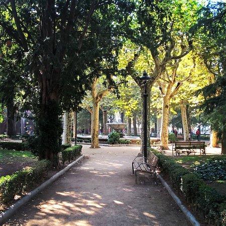 Olot, Spanyolország: Plaza Clarà