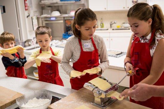 Ateliers cuisine pour enfants bild von museum der - Atelier cuisine pour enfants ...