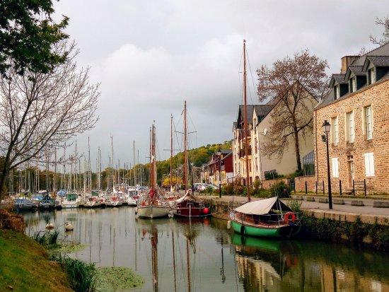 Port De La Roche Bernard Picture Of Au Val De Vilaine Saint Dolay