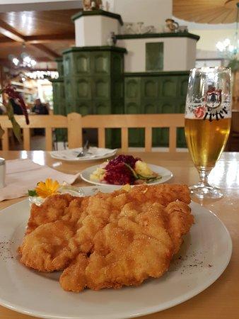 Achau, Österreich: super Schnitzel