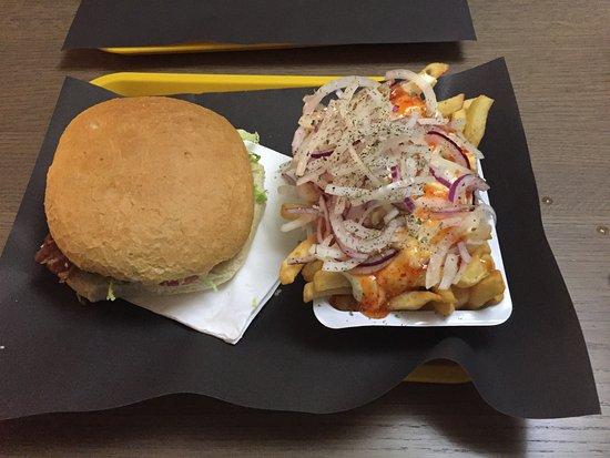 Dilsen-Stokkem, Bélgica: Friet special van het huis