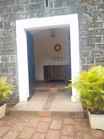 Pernem, India: entrance