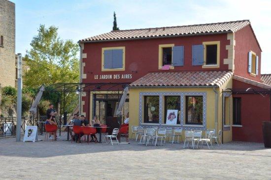 Cornillon-Confoux, Francia: Bienvenue dans notre établissement...
