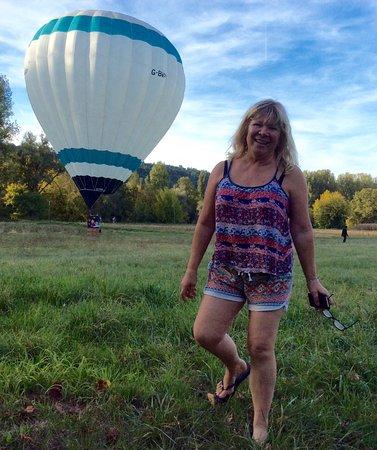 Valojoulx, فرنسا: Montgolfier landed in neighbours field 