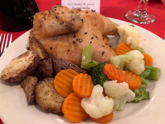 Riverwalk Inn & Suites: Chicken with vegetables