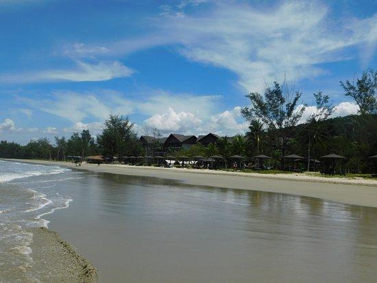 Nexus Resort & Spa Karambunai: clean beach and clean ocean