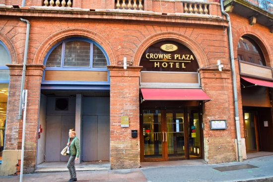 Crowne Plaza Toulouse: Front of hotel