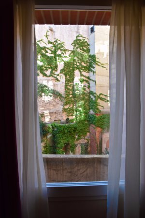 Crowne Plaza Toulouse: View from window