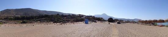 Φαλάσαρνα, Ελλάδα: Der schöne Strand