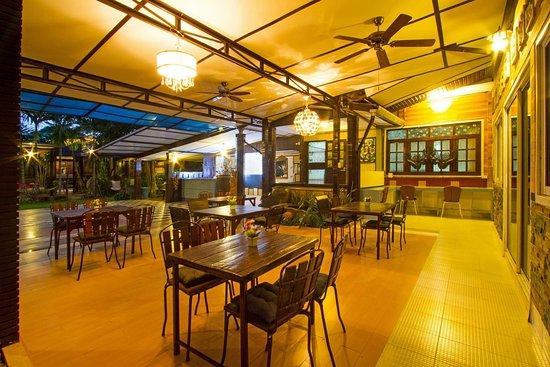 Saraphi, Thailand: Restaurant