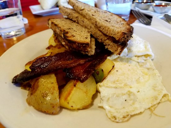 Rhinebeck, NY: Eggs on the Hudson